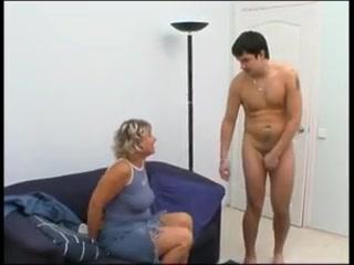 amateur mommy watches son cum