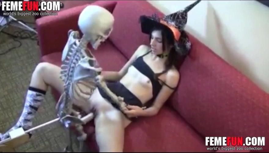 Hot tattoed slut fucked pussy