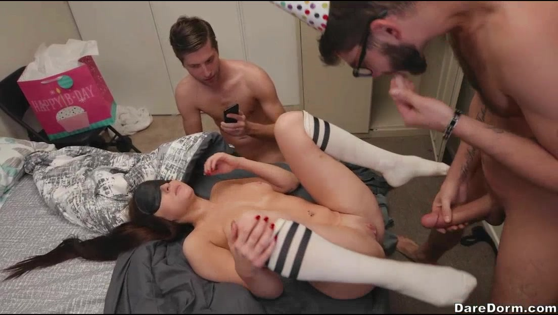 Girl Gets Fucked Two Guys