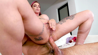 Son likes the way mom starts sucking dick and goes forward to incest fucking