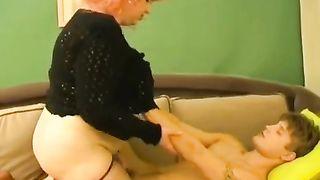[ XXX incest taboo ] Redheaded mommy blows her sleeping son