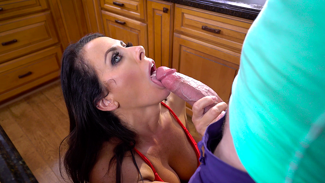Reagan Foxx Gets Pussy Poked By Her Clients Thick Dick Tubecup 1