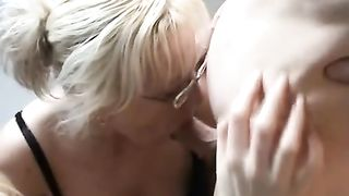 Double oral pleasure having 2 sweethearts engulf off your jock is each mans dream