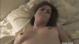 Foxy dark brown gives a sexy oral pleasure in bedroom make me cum