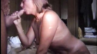Mature white wife has great blow job skills milking the knob willing for fuck