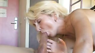 Blonde mother I'd like to fuck engulfing and being drilled bareback by one more dude at a hotel
