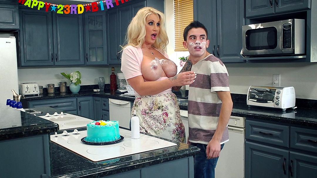 Fucking My Friends Horny Mom