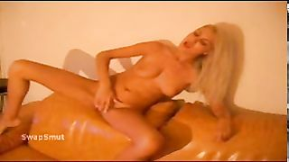 Anamaria Romanian slut nude fingering her cunt and using sex toy