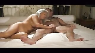 My grey-haired housewife disrobes and lets me fuck her cunt doggystyle